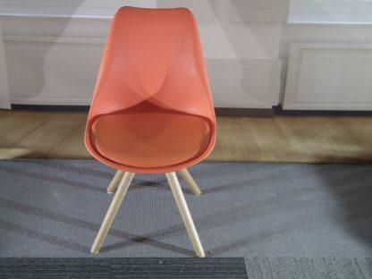 Oranje Kunststof Stoel