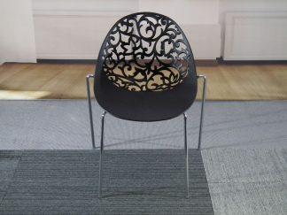 Opengewerkte stoel