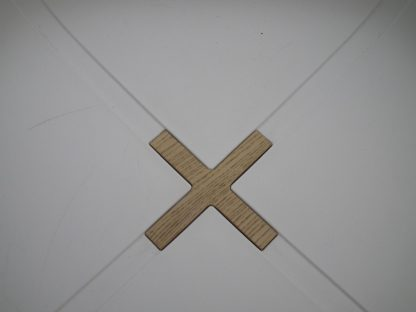Witte barkruk kruis