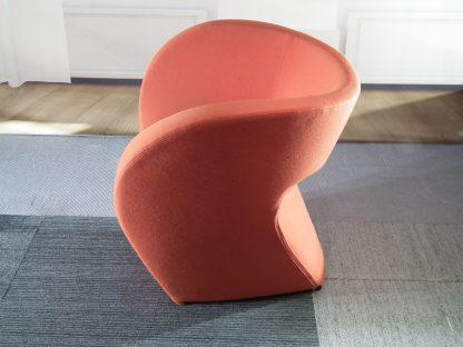 Marago donker oranje design stoel