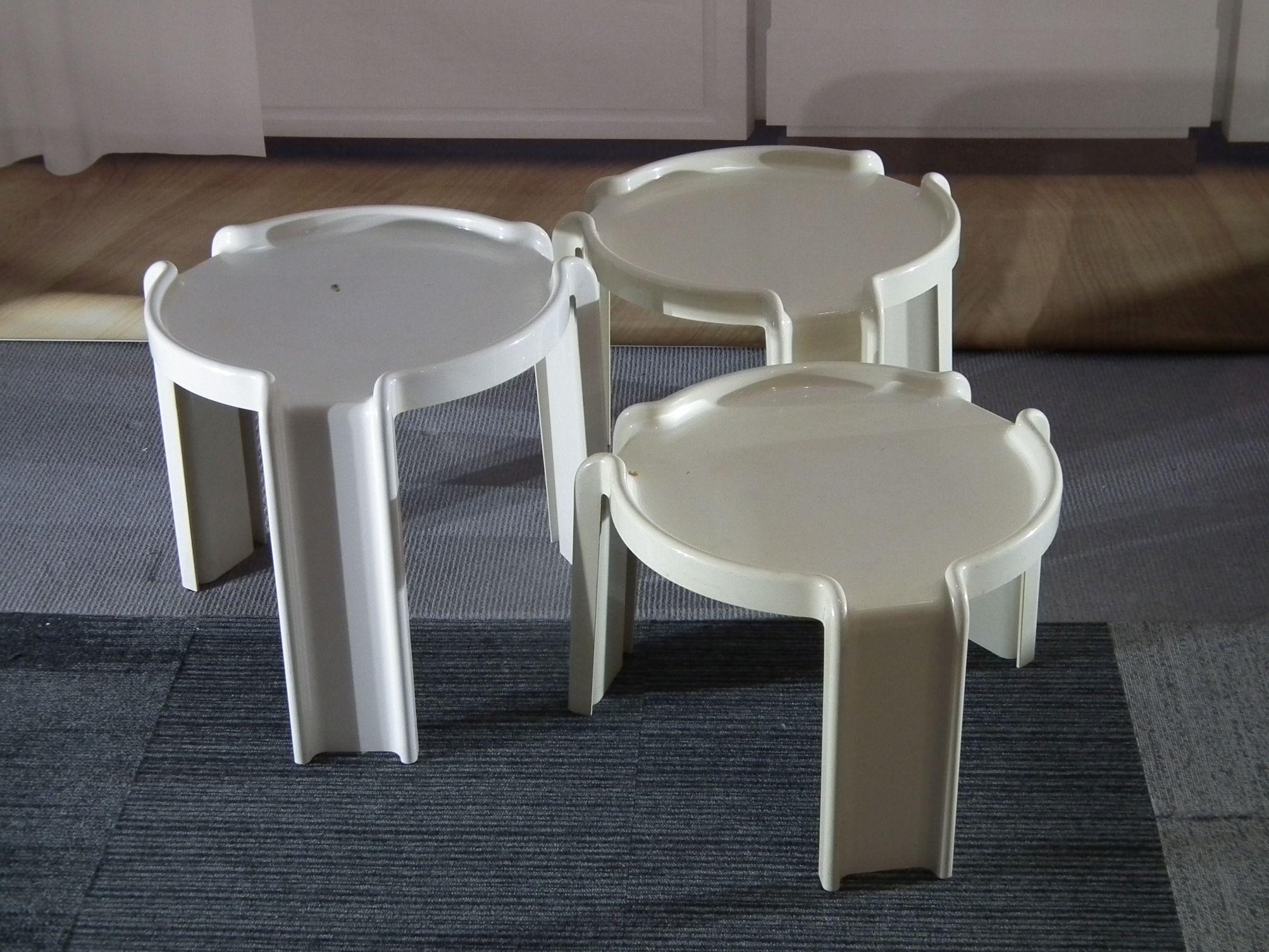 3 Vintage Bijzettafeltjes.Set Van 3 Nesting Tabels By Giotto Stoppino For Kartell Design4all